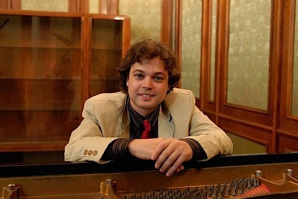 Yamaha Pianist George New York