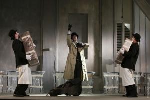 3. Gabriel Rauta, Francisco Alfonsin si Ion Grosu in spectacolul Noul locatar (copyright Mihaela Marin)